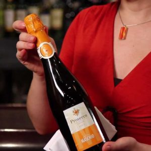 How to Open Bottle of Champagne or Sparkling Wine